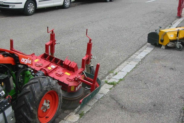 Désherbage mécanique des voieries